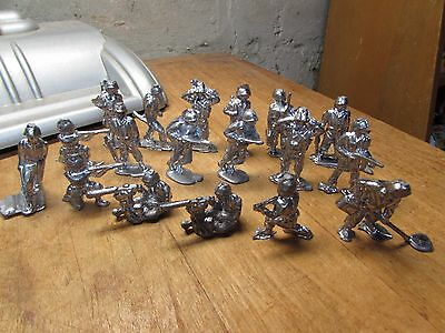 Cool Set Of Unplayed With Military Lead Toy Soldiers
