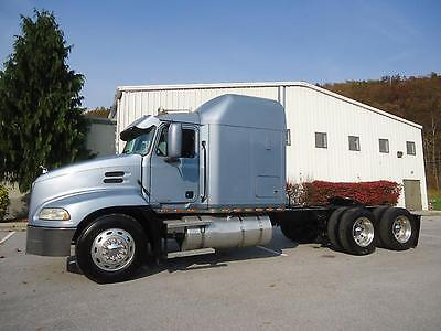 Mack Vision Cx613 Sleeper Tractor 460 Hp 18 Speed Transmision