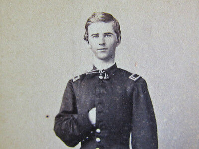 young Civil War officer in St. Louis Missouri cdv photograph