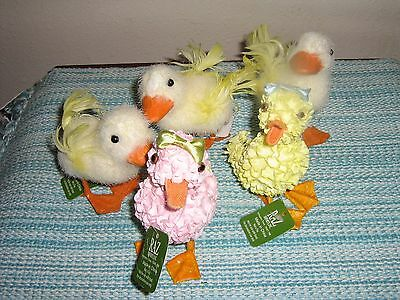 Whimsical Set Of 5 Raz Imports Easter Fuzzy & Hydrangea Ducks