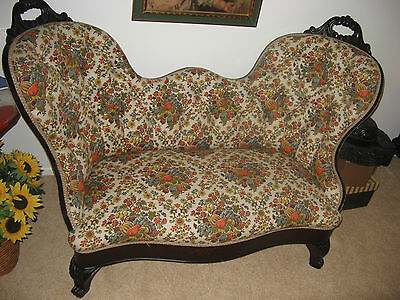 Antique Mahogany Victorian Settee/Loveseat