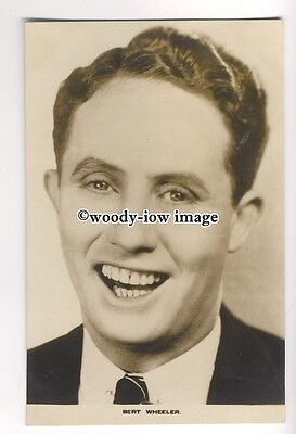 b3534 - Film Actor - Bert Wheeler - postcard by Film Weekly