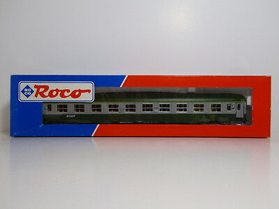 Roco HO SNCF Railways 45202 2nd Class Passenger Corridor Coach Boxed Never Used