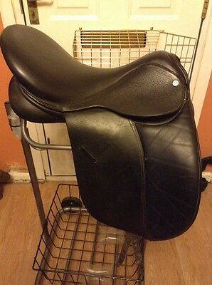 "18"" GFS PRO Extra dressage saddle Big Knee Blox  black DAMAGED"