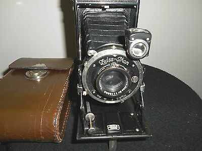 ZEISS IKON IKONTA with fixed CARL ZEISS TESSAR 1:4.5/105mm  Lens