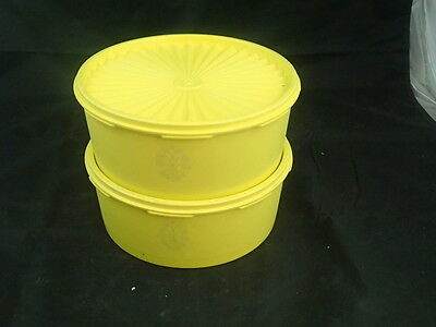 Pair of 2 Tupperware 1204 Sunshine Yellow Servalier Cannister w/ 1205 Lids