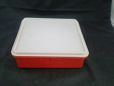 TUPPERWARE vintage red snack n stor square 9 x 9 container #514 with seal