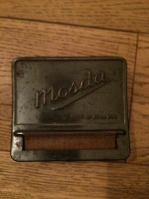 Vintage Cigarette Hand Rolling Tin / 1930 / Great Condition