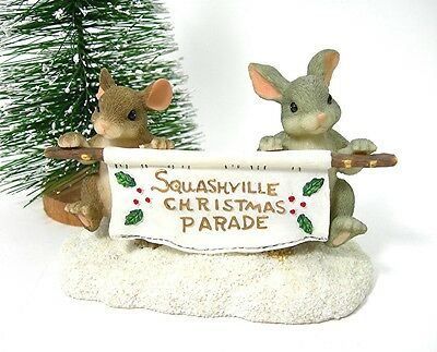 """Charming Tails Figurine """"Banner"""" Squashville Christmas Parade, Mouse & Bunny"""