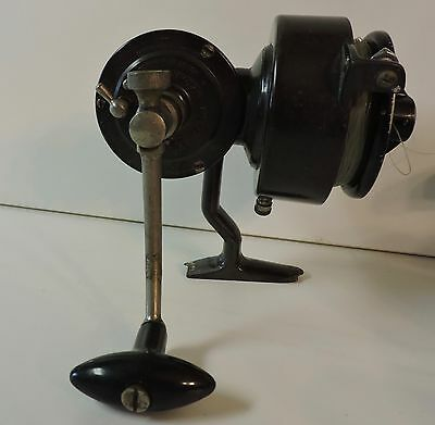 Vintage Saumon Luxor Mer Fishing Reel Works Missing Bailor