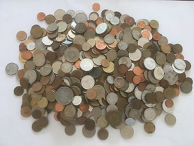 Lot of 2.7+ kg of World Coins