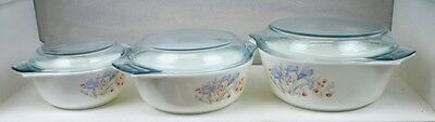 Set Of 3 Casseroles In The Blue Iris Design By Pyrex. With Lids