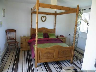 Pine double four poster bed