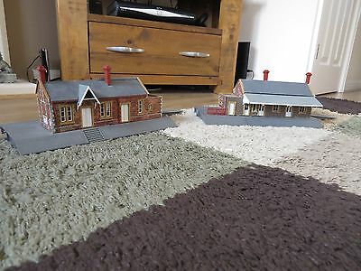 2 X Rovex (Hornby) Dunster Station Buildings Complete.
