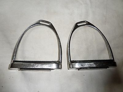 """Pair Of Stubben Stirrup Irons S/s With Treads 4 1/2"""" Used Condition"""