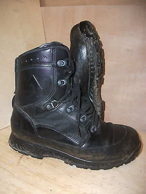 Size 8 genuine black combat high liability haix boots! very good condition!
