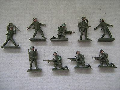 """""""Vintage/Collectable"""" - CRESCENT TOYS - 9 x British Army toy figures - 1950s"""
