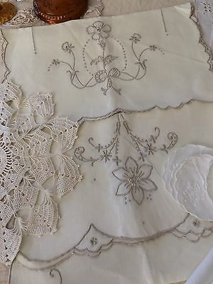 Vtg/Antique Linens Lot~27 Pieces~Whites/Ecru/Ivory~Lace Embroidery Runners Doily