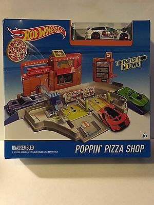 NEW Hot Wheels Poppin' Pizza Shop Playset featuring 1990 Honda Civic HW Pizza Co