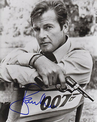 Roger Moore 007 James Bond Authentic Autograph James Bond Man With Golden Gun