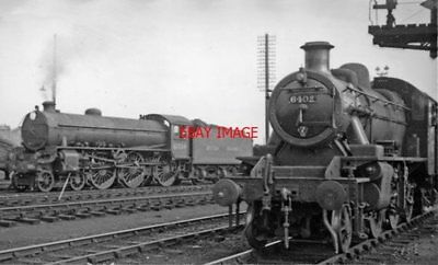 Photo  Lner B1 No 61334 + 6402 1949 At Cambridge On Shed; Local From Kettering
