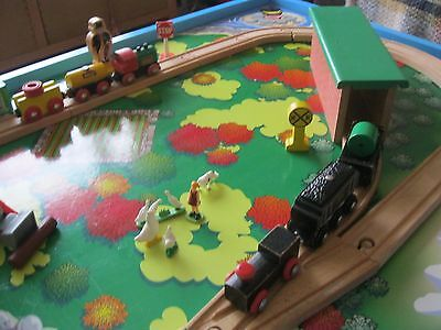 Thomas The Tank Engine Wooden train set and Play Table