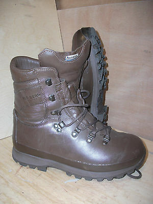 Size 7 genuine brown altberg defender military boots! worn twice! immaculate!