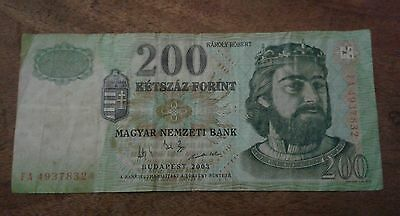 Hungary 200 Forint Banknote date 2003 Serial Number FA 4937832 initials FA (001)