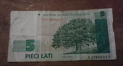 Latvia 5 Lati Banknote date 1996 Serial Number A 2769944 G initials A/G Used