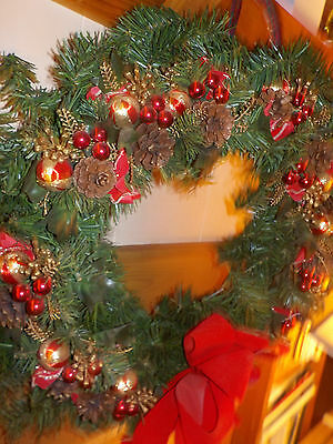 """Vintage Christmas Wreath With Pine Cones And Ornaments 20"""" Pretty!"""