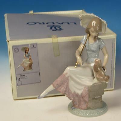 Lladro Porcelain Figure with Box - Picture Perfect - Girl with Parasol #7612