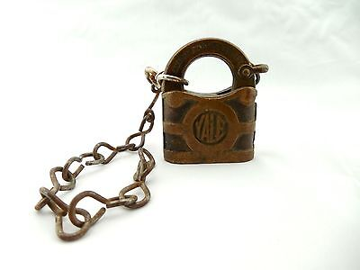 Vtg YALE and TOWNE Y&T Lock Old Padlock - NO KEY Antique