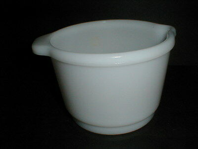 White Milk Glass 1-1/2 Quart Handled Batter Mixing Bowl for Electric Stand Mixer
