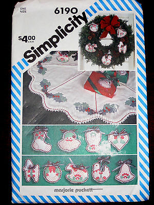 Simplicity Shadow Quilted Christmas Ornaments Tree Skirt Pattern 6190 UNCUT