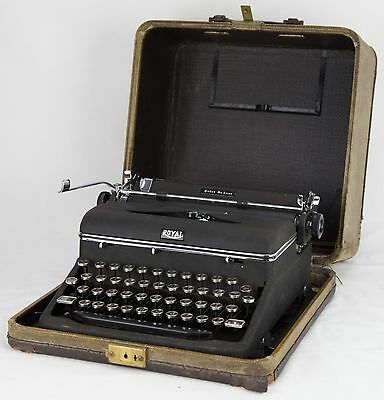 Vintage Royal Quiet De Luxe Portable Typewriter with Case