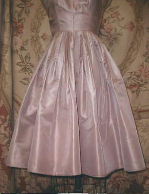 1950s ARNOLD FOX Mauve Ashes Of Roses SILK & Lace Cocktail Dress Full Skirt Mdm
