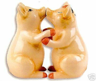 KISSING PIGS Salt & Pepper with Magnet ~ ADORABLE!
