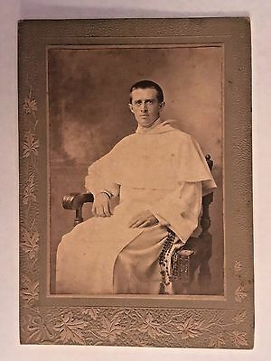 DOMINICAN MONK with Rosary Beads hanging at his waist Cabinet Card Photo c1920s