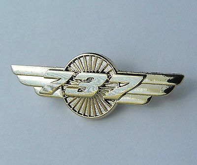 Boeing 737 Pilot Wings Gold Colored Aircraft Plane Lapel Pin Badge 1.5 Inches