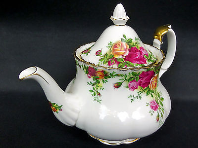 OLD COUNTRY ROSES MEDIUM TEAPOT, 5-6 CUPS, 1st QLTY, VGC, 1993-2002 ROYAL ALBERT