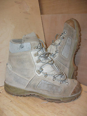 Size 12 genuine desert lowa elite boots! very good condition!fantastic boots!