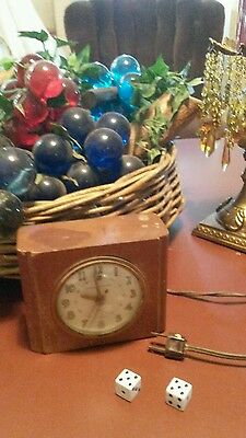 Vintage GE General Electric Wood Block Alarm Clock Model 7H162 60's gay hour
