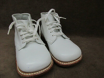 Vintage Child Life Straight Lace 2E Leather Shoes White