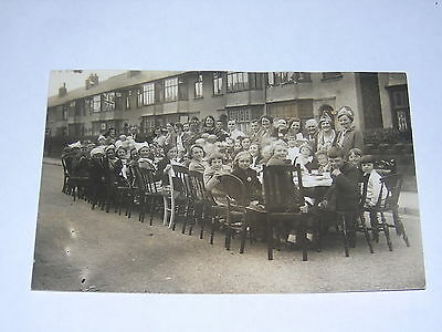 VE DAY WW2 STREET PARTY circa 1945. HOME FRONT ORIGINAL PHOTO POSTCARD COVENTRY