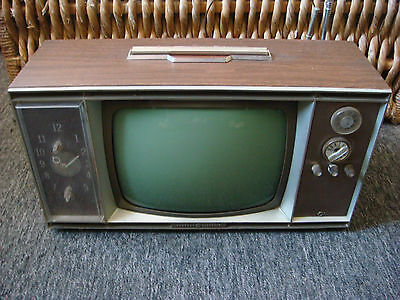 Vintage General Electric Television With Built In Clock