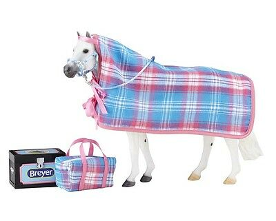 Breyer Traditional size Going to the Horse Show Set - Horse not included
