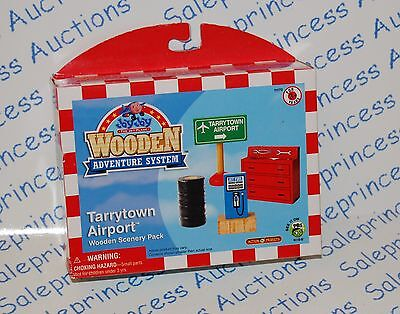 NIP Jay Jay the Jet Plane Wooden TARRYTOWN AIRPORT Scenery Pack VHTF Toy Wood