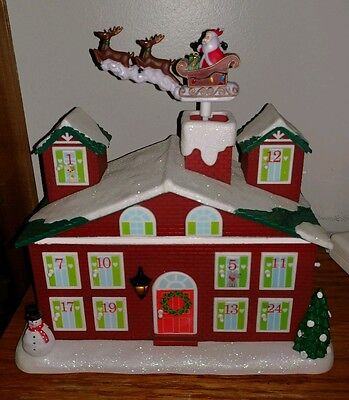 Avon Animated Lighted COUNTDOWN TO CHRISTMAS HOUSE MUSICAL LIGHTS UP PLAYS MUSIC