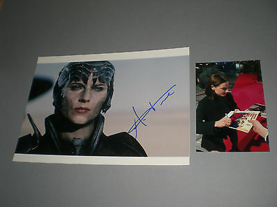 Antje Traue Man of Steel signiert signed Autogramm auf 20x28 Foto in person