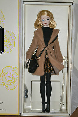 2016 Gold Label Silkstone BFMC CLASSIC CAMEL TRENCH COAT Barbie - NEW RELEASE